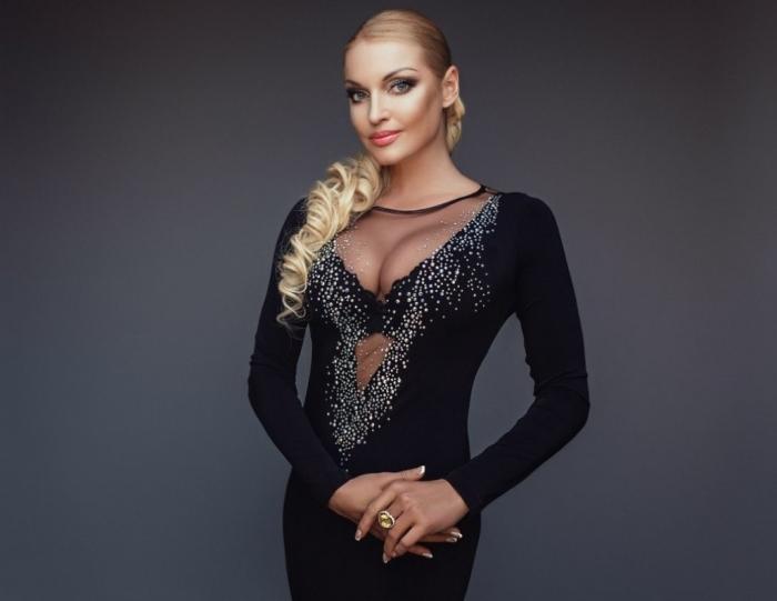 Анастасия Волочкова открыла возможность для комментариев на своей странице