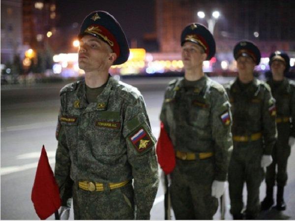 В Ростове прошла ночная тренировка парада Победы