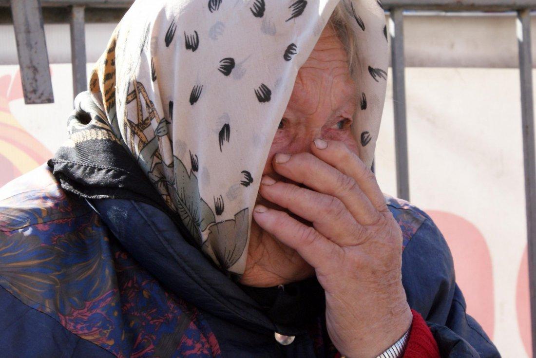 В Ростове компания хулиганов жестоко избила пенсионерку