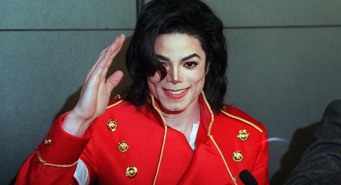 Личный врач Майкла Джексона добавил новых подробностей к делу о педофилии певца