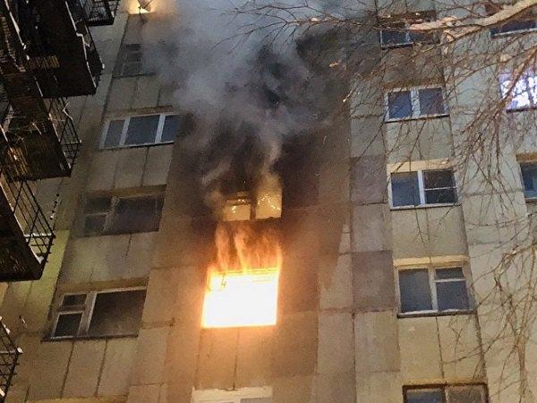 В Ростовской области при пожаре в многоэтажке пострадал мужчина