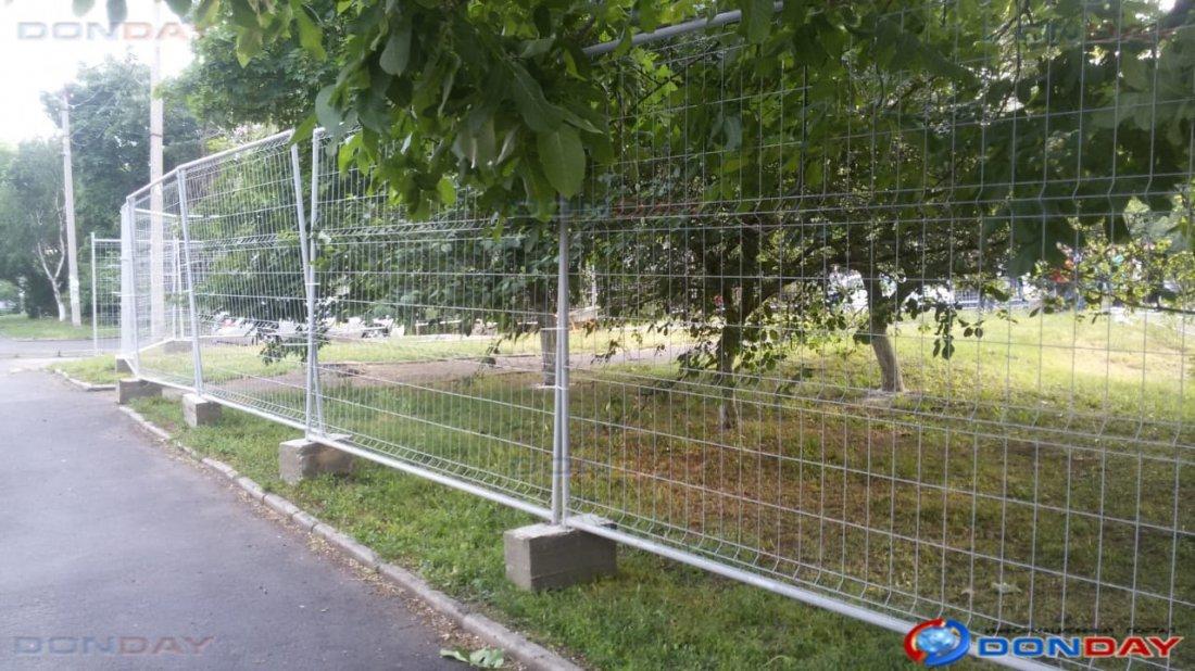 «Это будет второй Екатеринбург»: десятки ростовчан вышли на защиту от застройки зеленого дворика двух многоэтажек