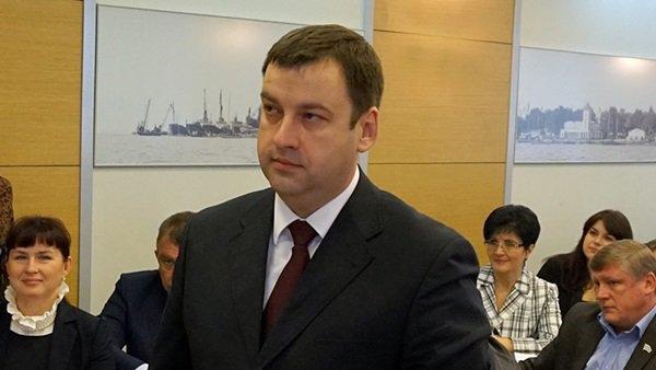 Глава администрации Таганрога в прошлом году заработал почти 2 миллиона рублей