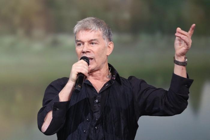 Певец Олег Газманов опроверг слухи о разводе