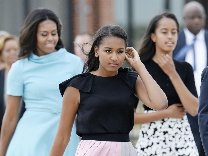 Младшая дочь Барака Обамы выбрала для выпускного вечера откровенное платье. Фото