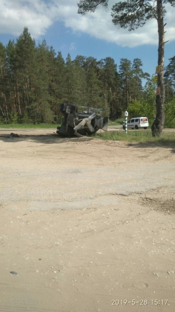 В Самарской области перевернулся бетоновоз