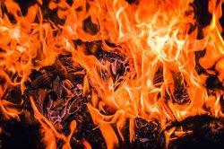 Сегодня чуть больше часа потребовалось шестидесяти пожарным, чтобы потушить «Электрощит»