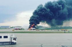 В Шереметьево сгорел самолет от удара молнии: есть погибшие и пострадавшие