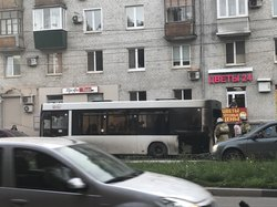 Учуял запах гари: В Самаре загорелся автобус с пассажирами