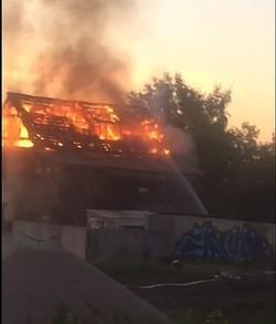 В Самаре в страшном пожаре пострадал, но остался жив, мужчина