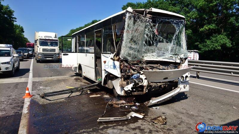 Число пострадавших в ДТП с автобусом под Ростовом увеличилось до 15
