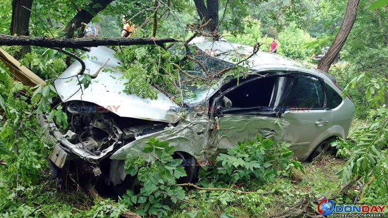 В Ростовской области при ДТП с грузовиком пострадал пассажир легковушки