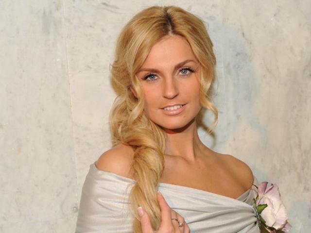 Саша Савельева официально объявила об уходе из «Фабрики»