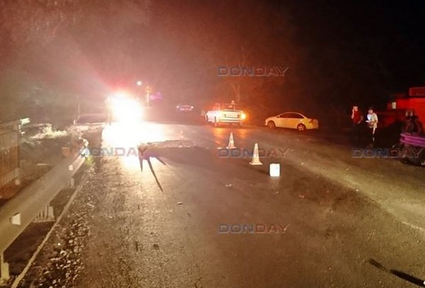 На трассе в Ростовской области мужчина погиб под колесами легковушки