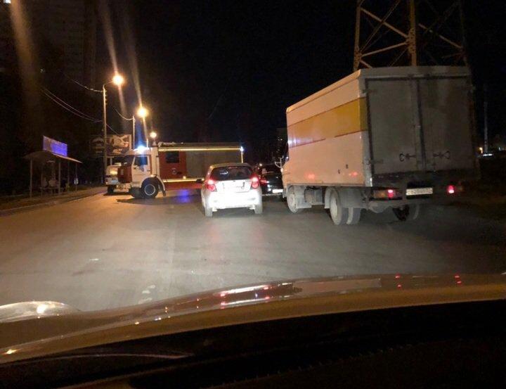 В Ростове 44 спасателя ликвидировали пожар на Нансена