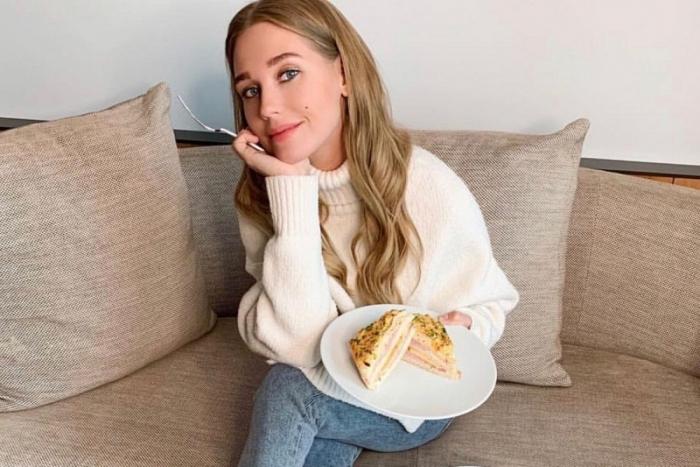 «Я ем и плачу»: Кристина Асмус посетовала на повышенный апетит в вечернее время
