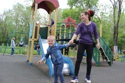 Лицом в камни: что происходит с детскими площадками в Самарской области