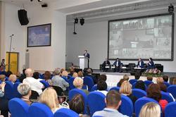 3,5 млрд рублей на повышение рождаемости:на социальном форуме обсудили проблемы 63 региона